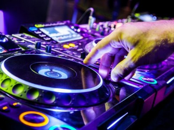 DJ, Musicians and Entertainers